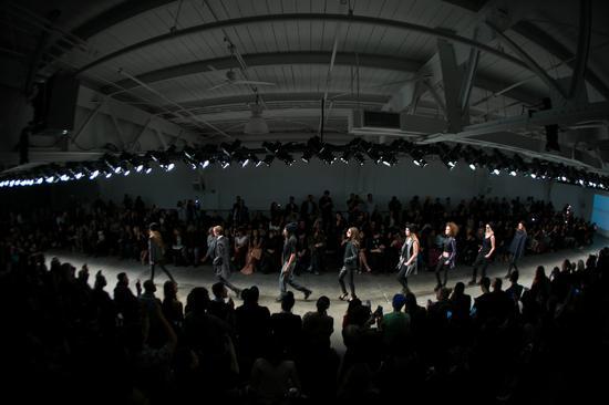 今年Globe Fashion Week与金镶玉新领军品牌--宋妃珠宝签署战略合作伙伴关系