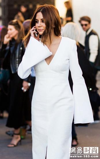 街拍示范长袖裙穿法