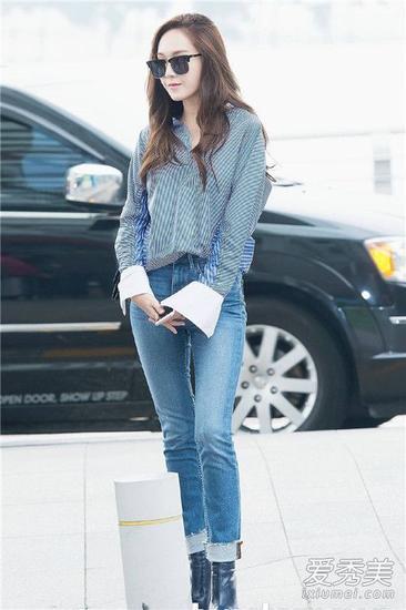 郑秀妍穿条纹衬衫