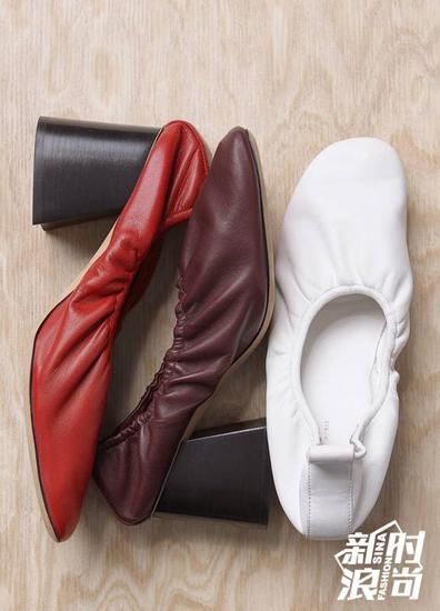"""Celine经典的""""奶奶鞋"""""""