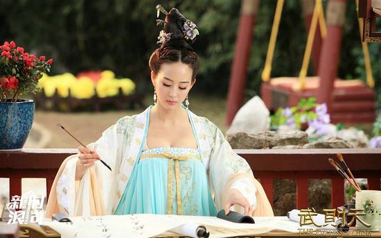 张钧甯在《武媚娘传奇》造型
