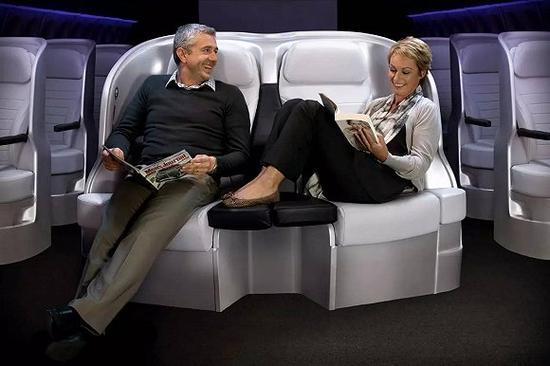 Spaceseat的中排座椅让亲密的人更亲密