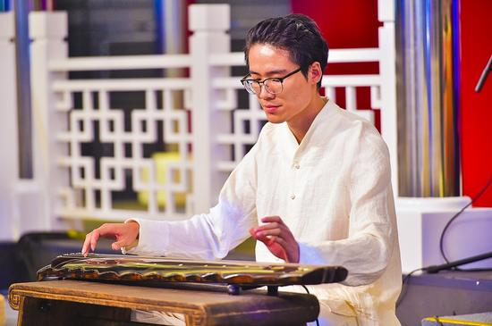 古琴代表性青年演奏艺术家唐彬