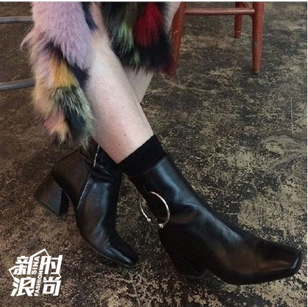 梯形鞋跟的Dorateymur
