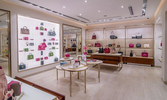 FURLA全新店铺于澳门巴黎人购物中心盛大开幕