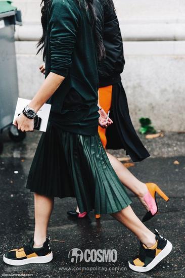 百褶裙:绿色
