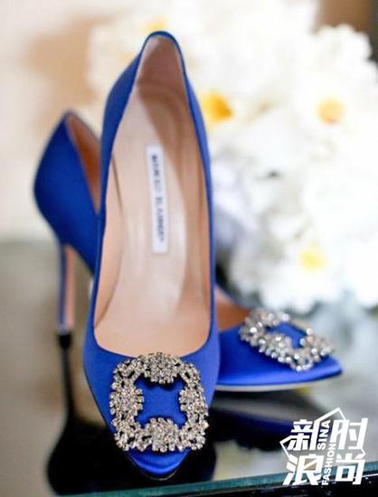 经典蓝色MB高跟鞋