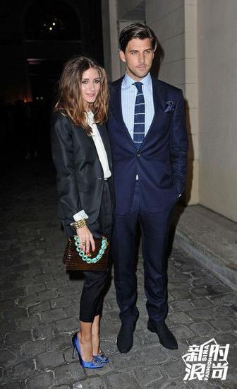 Olivia Palermo穿MB蓝色高跟鞋
