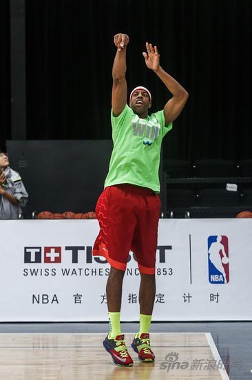 天梭表与NBA篮球先锋杰罗姆?威廉姆斯