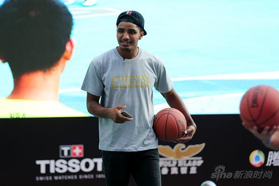 天梭表与NBA篮球先锋加里?哈里斯