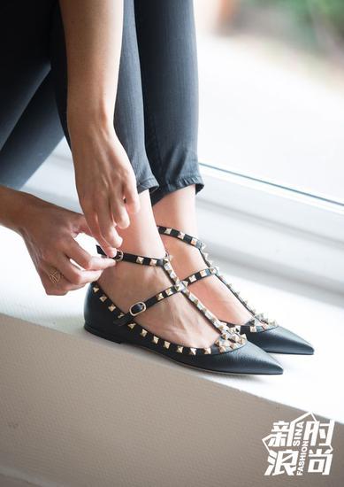 Valentino牟钉鞋