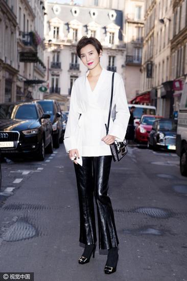 宋佳穿上喇叭皮裤-高能技术贴 今年到底流行哪款长腿裤