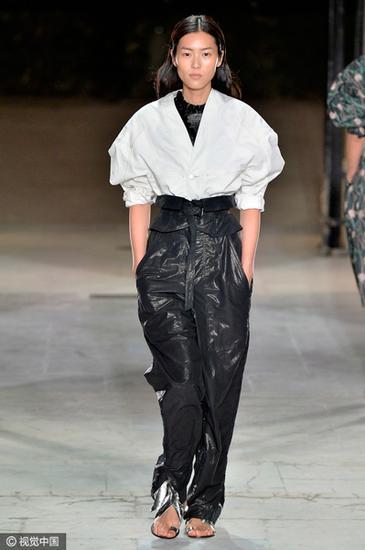 大表姐的皮裤T