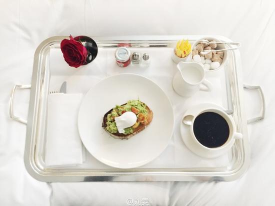 刘雯的早餐