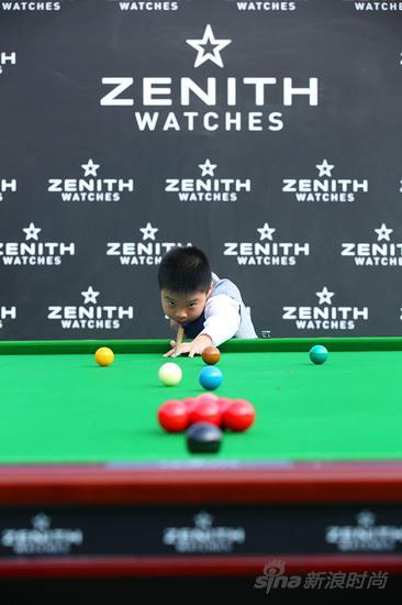10岁中国青少年斯诺克爱好者现场挑战丁俊晖对决赛