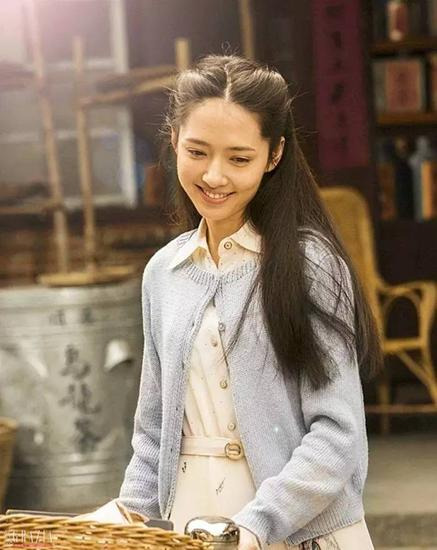 """丸子头升级版:重回19岁的秋日""""水果头"""""""
