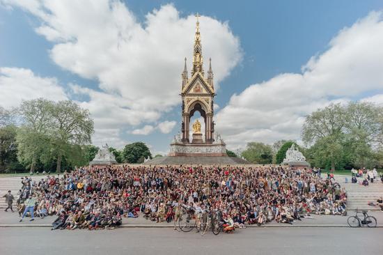 """伦敦都会举办一场风格独特的骑行活动""""London Tweed Run """""""