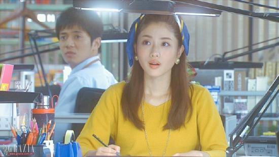 蓝黄双色丝巾
