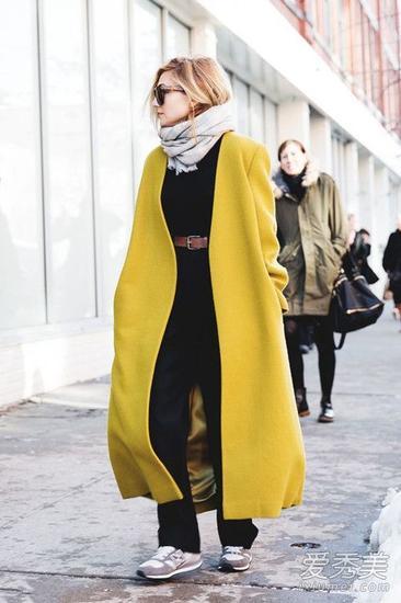 明亮的黄色系长款大衣