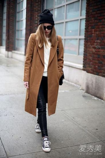 咖啡色长款大衣
