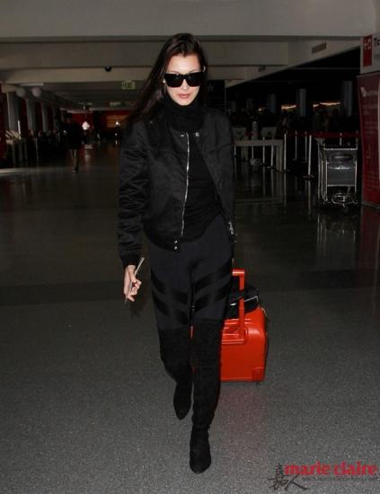 贝拉·哈迪德 (Bella Hadid)现身机场