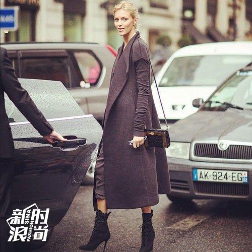 超模街拍长大衣配高跟鞋