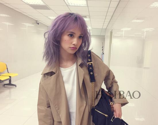 杨丞琳浅紫色短发