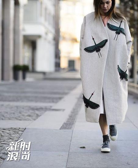 时尚达人街拍示范长款大衣穿法