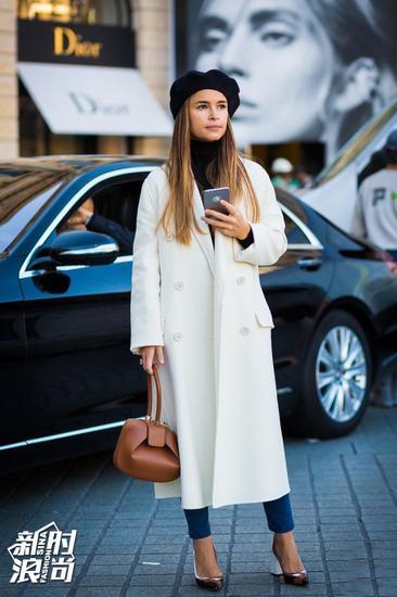Miroslava Duma长大衣配高跟鞋