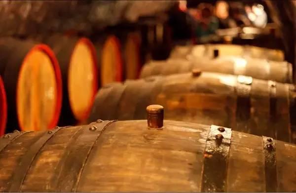 经过橡木桶的葡萄酒 味道到底哪里不一样?