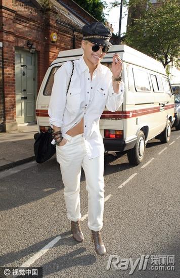 Rita Ora 街拍
