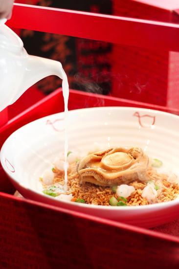 雅苑菜品:鲍鱼海鲜粒粒泡饭