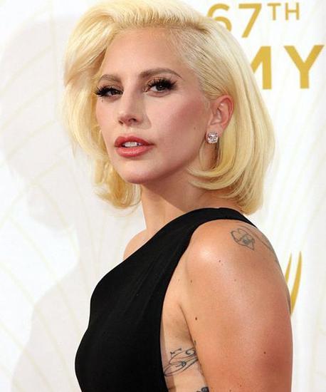 Lady Gaga瘦了30斤 这一年她做了什么
