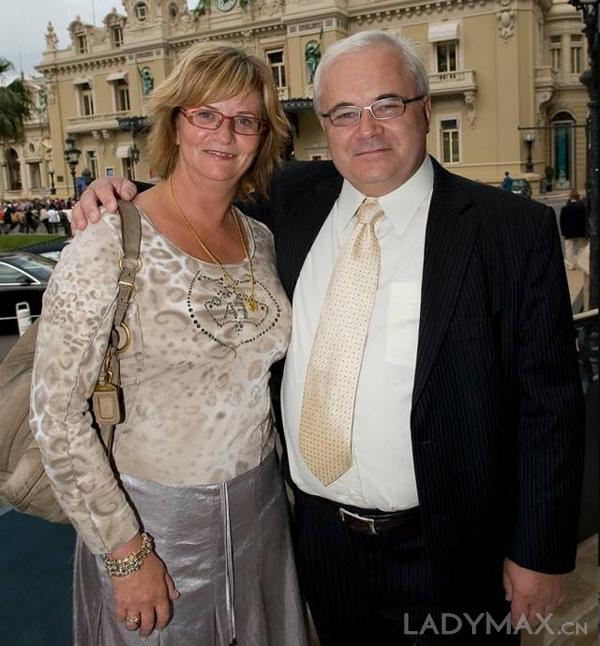 1982年,丹麦金匠Per Enevoldsen与妻子Winnie于风情朴素的首都哥本哈根,开设了一家珠宝店,图为创始人夫妇。