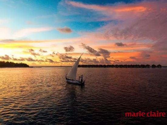 戚薇在马尔代夫魔富士度假村拍摄