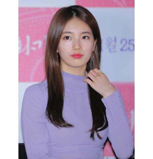 1482722998669韩国国民初恋裴秀智佩戴Monica Vinader不对称水滴型耳环