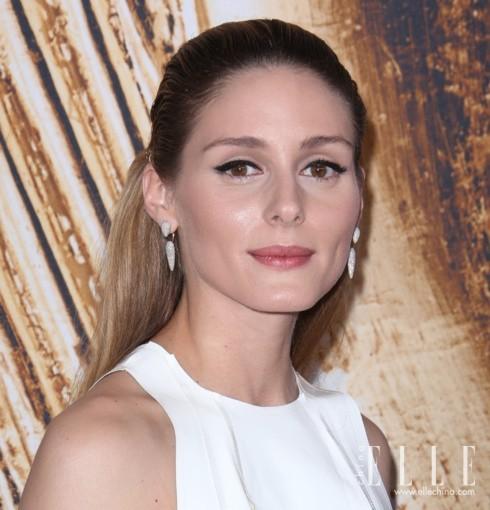 Olivia Palermo佩戴Monica Vinader耳环