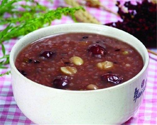 爱健康:巧做瘦身排毒的红豆薏米粥 简单易学教程千万不要错过