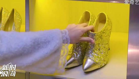 镶着水钻的高跟鞋