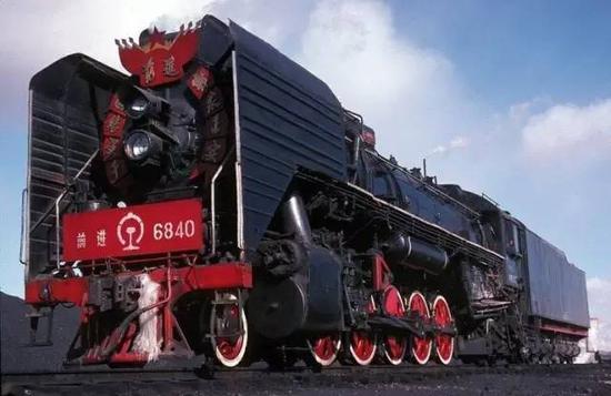 """""""前进""""型蒸汽机车的车头"""