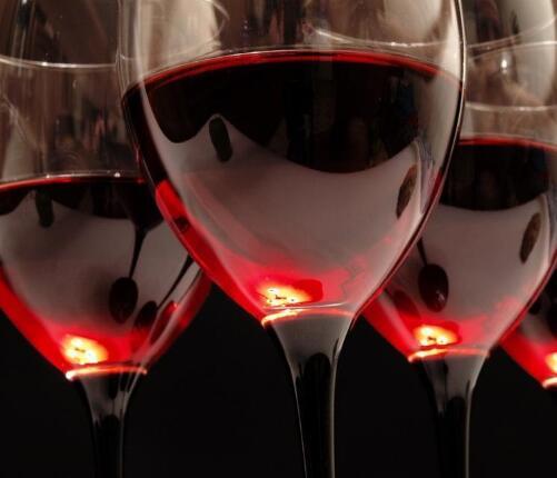 爱健康:红酒减肥法有效果吗 6招让你轻松瘦下来