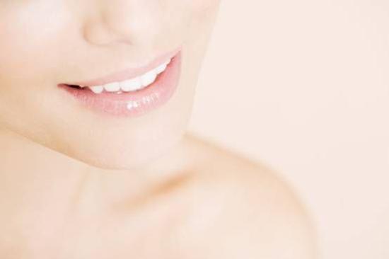 蕾珂美:唇部养护三部曲