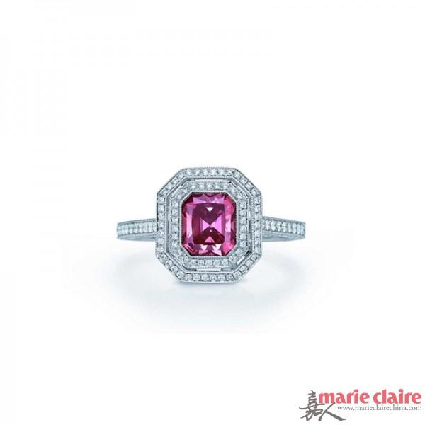 蒂芙尼 长方形粉钻戒指
