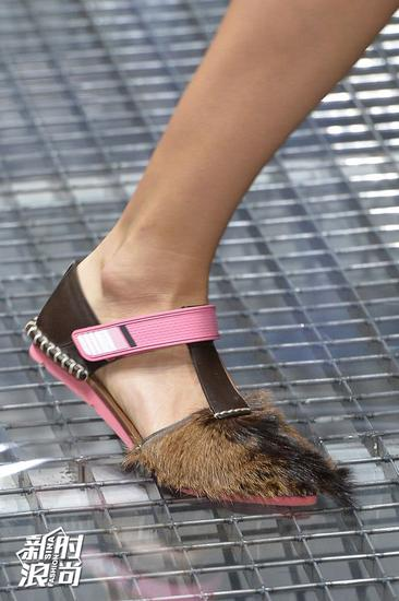 Prada毛毛鞋