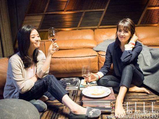与樊小美一起喝红酒聊感情