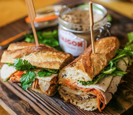 烤鸡肉三明治