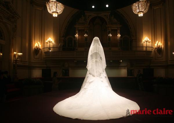 凯特王妃大婚时所穿的婚纱