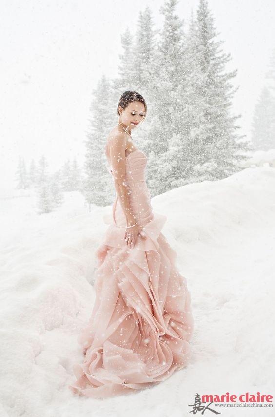 办一场冬日婚礼 让耳钉成为扮靓法宝