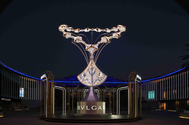 1_宝格丽Divas' Dream灯光装置璀璨闪耀三亚海棠湾