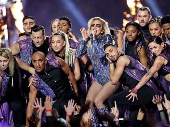 """结实的""""肉包肌"""" 瘦了的Gaga离好身材还有段路"""